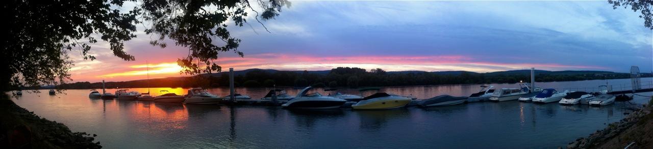 Sonnenuntergang am Rhein. © Foto: Dario Sedo
